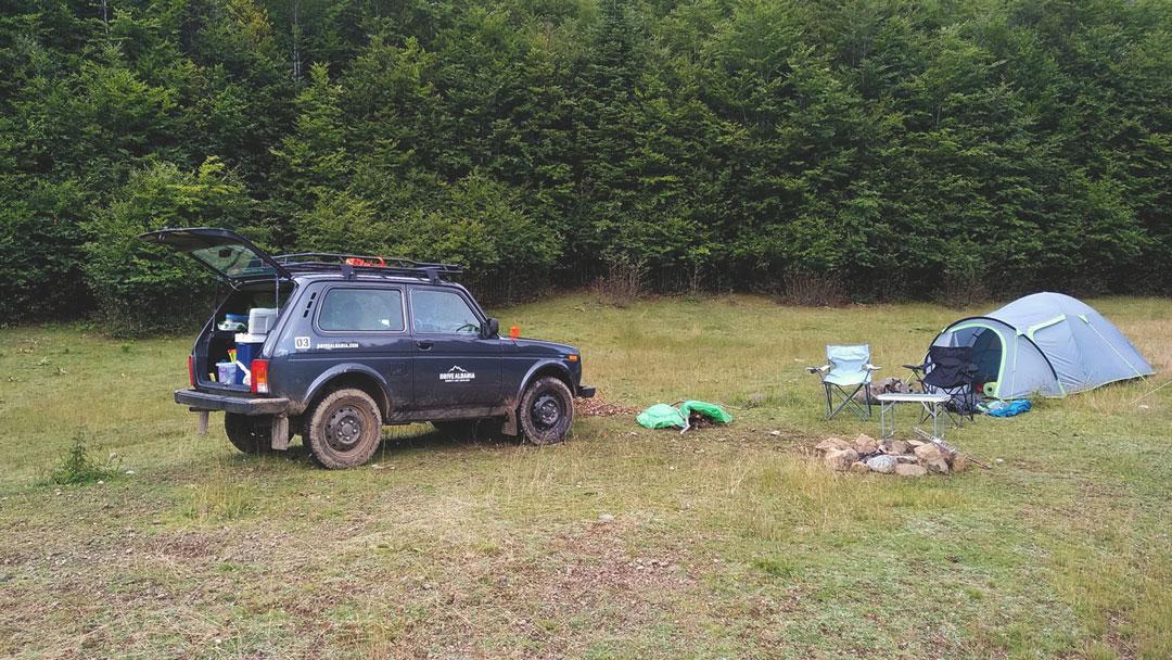 Lada Camping